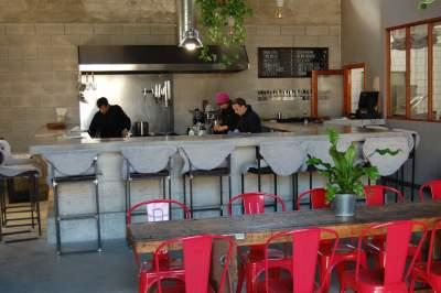 Brut Restaurant, Lllubi